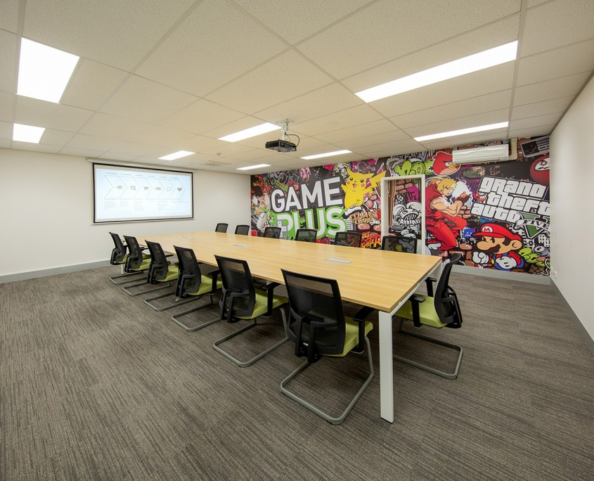 game-plus-meeting-room-high-res